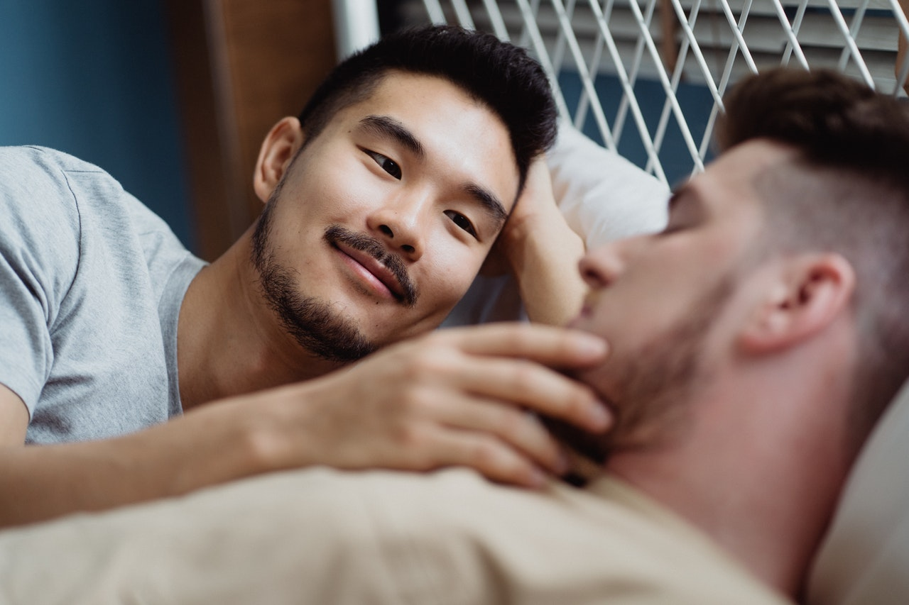 Ein liebevolles, gleichgeschlechtliches Paar